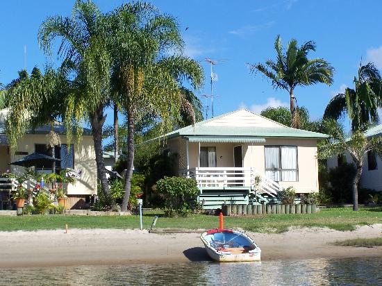 Maroochy River Resort & Bungalows: 2brm Waterfront Bungalow
