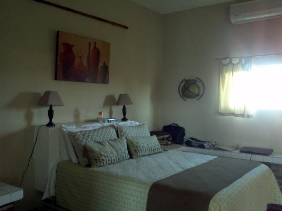 Hotel La Quinta del Sol: bedroom.