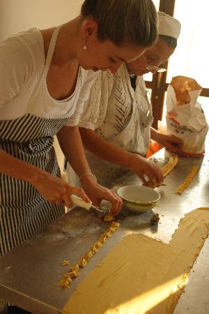 ExperienceIt Adventures Adventures Food, Wine and Cycling Tours : A day trip to a little village, Saluzzo