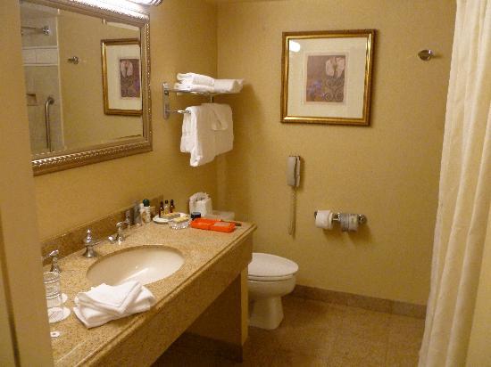 Sacramento Marriott Rancho Cordova: Beautiful bathroom