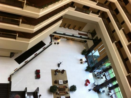 The Oberoi, Mumbai: view of lobby from above