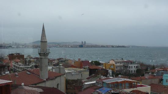 Emine Sultan Hotel: Breakfast room view