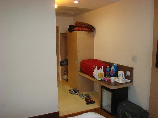 Clarks Inn Suites: room