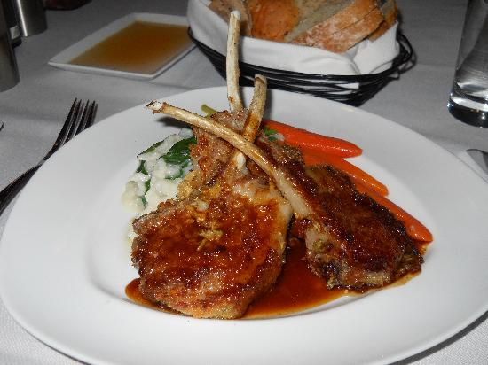 Savoy Restaurant: lamb chops