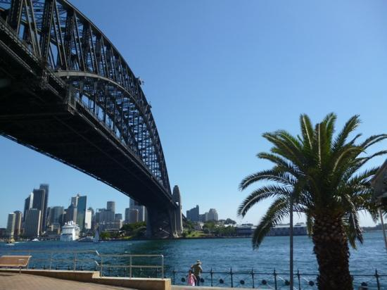 Bradleys Head Trail: View from Ripples Milson's Point