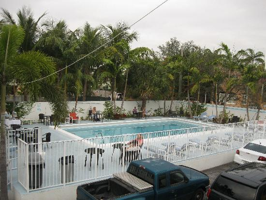 New Yorker Boutique Hotel: Pool