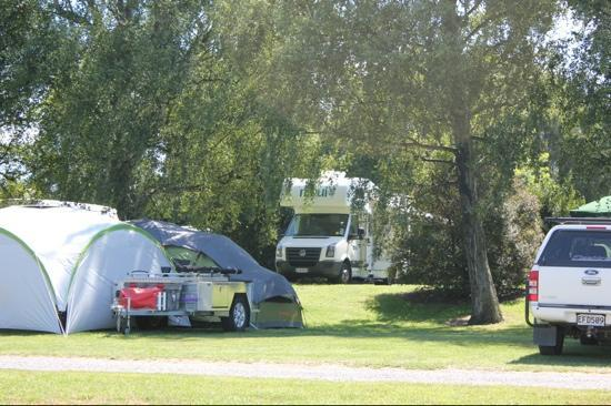 Blenheim Top 10 Holiday Park: Nice roomy sites