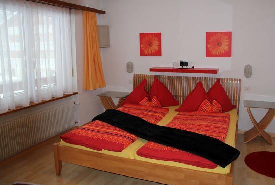 Doppelzimmer Hotel Pension Heino Saas-Grund nahe Saas-Fee