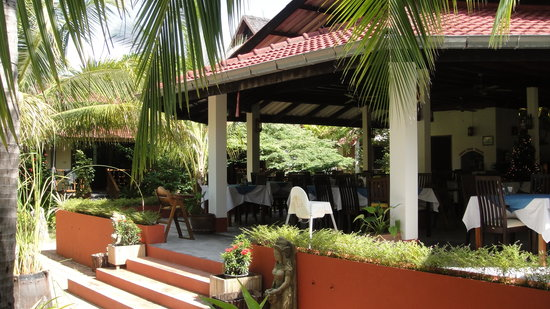 Noble House Beach Resort: restaurant at Noble House