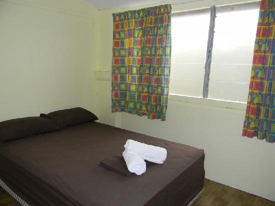 Reef Backpackers: Private room