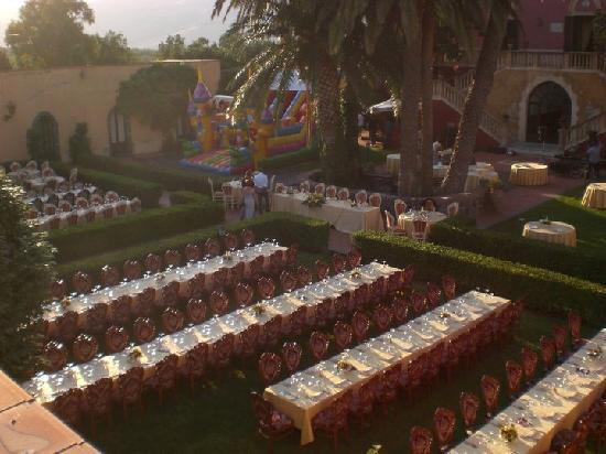 Castello Romeo: Matrimonio sul prato