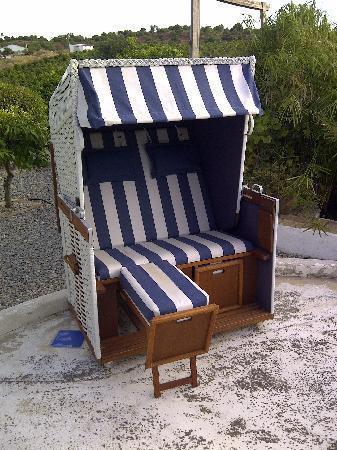 Casa Vale del Rei : A very nice sofa in the garden