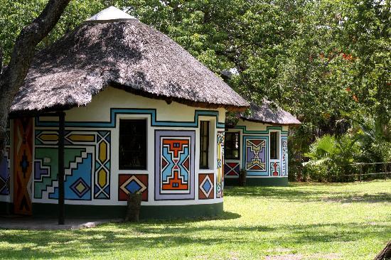 Timbavati Safari Lodge: Traditional Ndebele Hand Painted Rooms