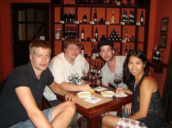 Cork Wine Room Boracay: cork wine room