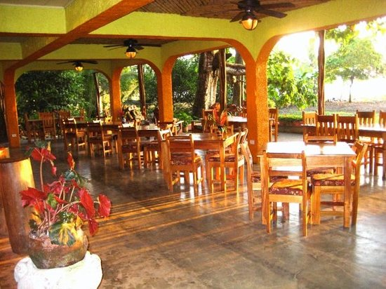 Iguana Lodge: One of our two restaurants