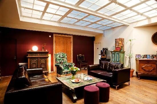 Hotel Hellsten: Lobby Area
