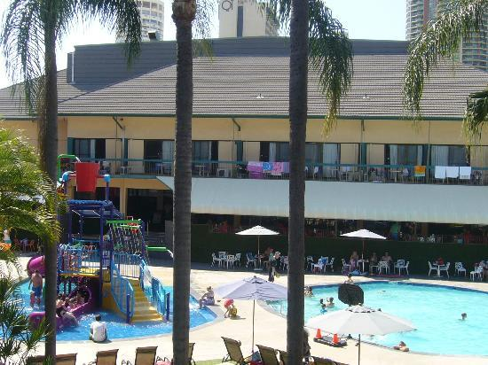 Paradise Resort Gold Coast: view from pool facing room