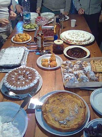 Apecchio, อิตาลี: bouffet