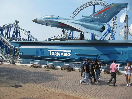 Gardaland Resort: blue tornado ma noi non tornado più