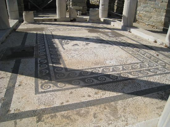 House of Dionysus : The wonderful mosaic floor