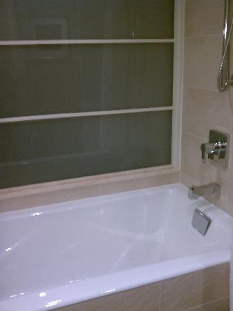 The Hotel at Arundel Preserve: Deep tub