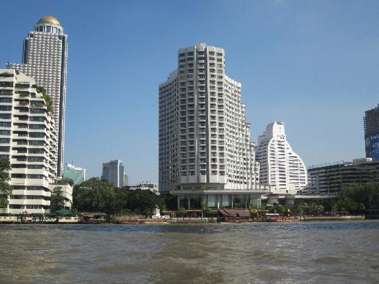 Shangri-La Hotel, Bangkok: view from the river
