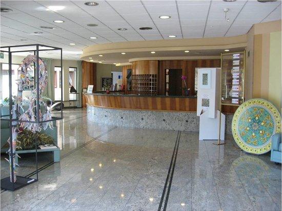 Arte Hotel : hall