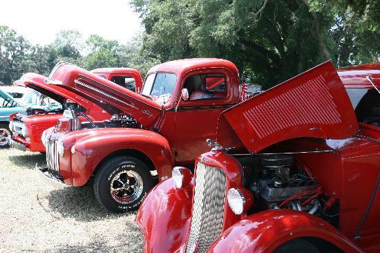 Hampton Inn Leesburg - Tavares: Enjoy classic car shows monthly when you stay at the Hampton Inn Leesburg.