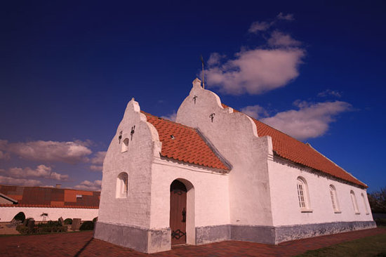 Jylland, Danmark: very old church in the middle of the village