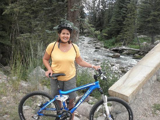 Vail Recreation Path: Biking on the path