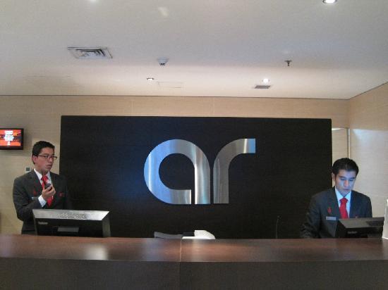 Radisson AR Hotel Bogota Airport: Front desk