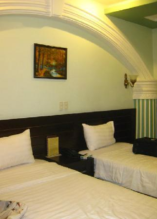 Nam Hy1 Hotel : twin bed
