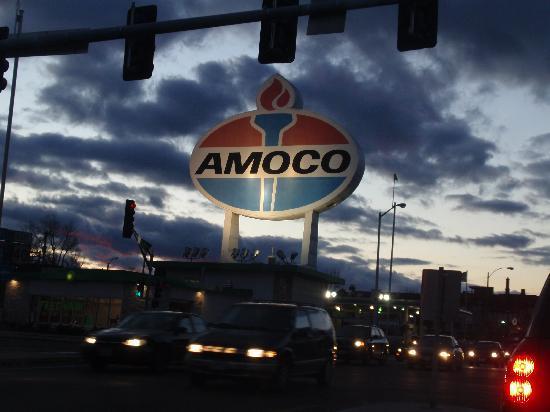 The Familiar Amoco Sign Is Still There Foto The Cheshire Saint Louis Tripadvisor