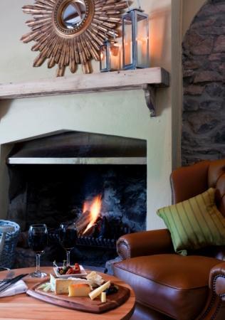 The Mendip Inn : Cosy open fire