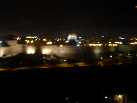 Jerusalem Panorama Hotel: Night view from the 6th floor dining room