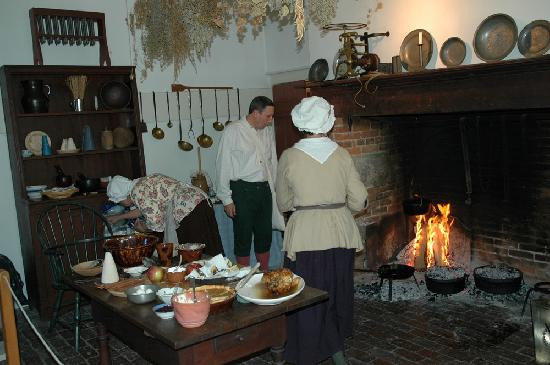 Rock Ford Plantation: Warm Hearth Club members in the mansion kitchen.