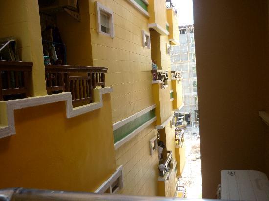Good Nice 2 Guesthouse: vista dal balcone