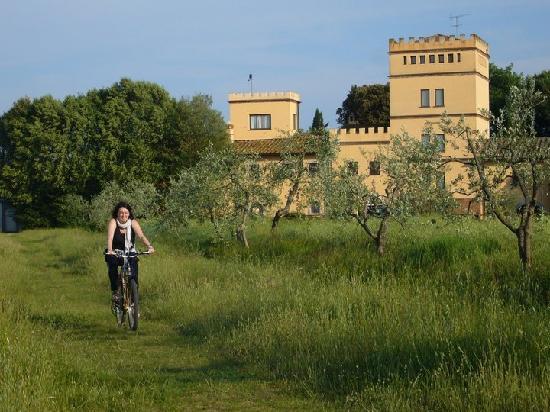 Villa Somelli: Disfrutando de un paseo en bici