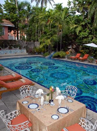 Graycliff Hotel: Graycliff's hand-painted pool