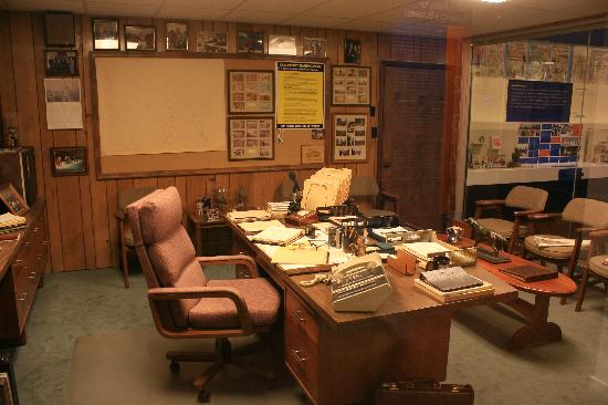 The Walmart Museum Heres A Recreation Of Sam Waltons Office