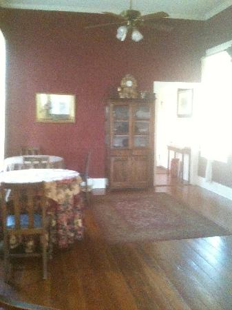 Broadway House Bed & Breakfast: Dining Area