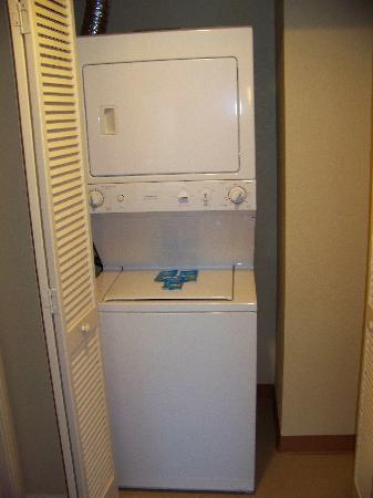 Washer/dryer - Picture of Wyndham Bonnet Creek Resort, Orlando
