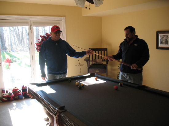 Bluegrass Country Estate: Pool Room Fun!