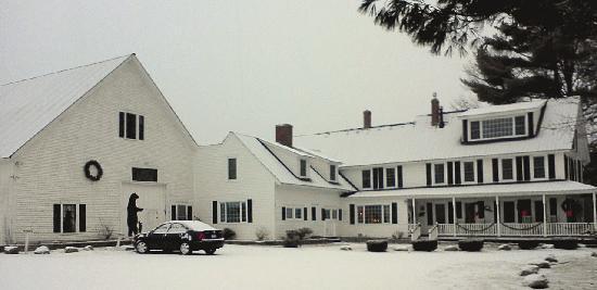 Bear Mountain Inn: View after the snow