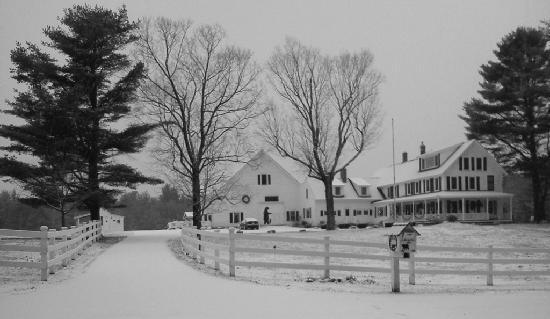 Entrance to Bear Mountain Inn