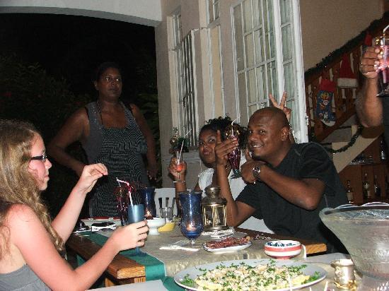 Pallagino Guest House: Dîner en famille