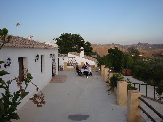 Cortijo Molino Los Justos: Breakfast on the patio