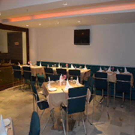 Hillscape Khandala: Restaurant