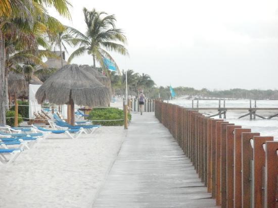 Ocean Maya Royale: Small beach area...