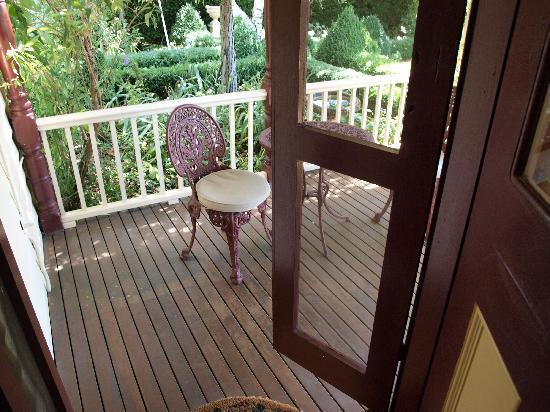 Barnsley House Bed & Breakfast: Private balcony in the Elizabeth Retreat